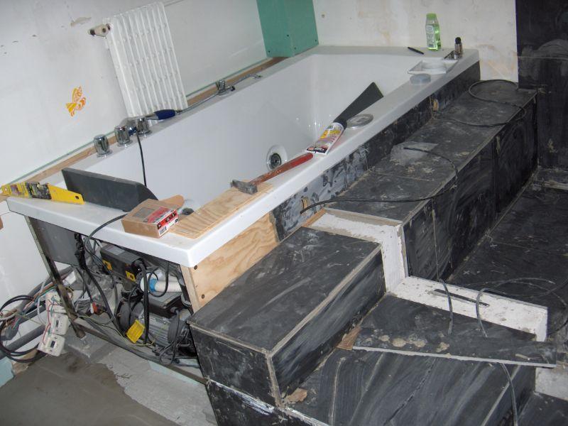 comment carreler une salle de bain maison design. Black Bedroom Furniture Sets. Home Design Ideas